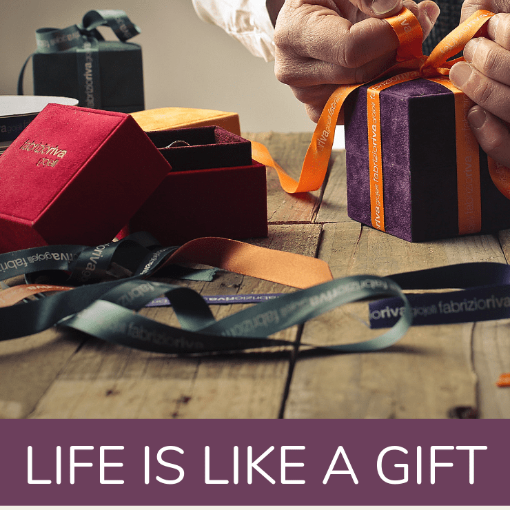 Image of a gift wrapper