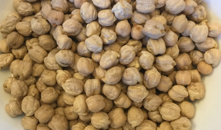 Image of dried chickpeas